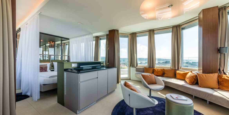 Zeller SPA Suite Lounge